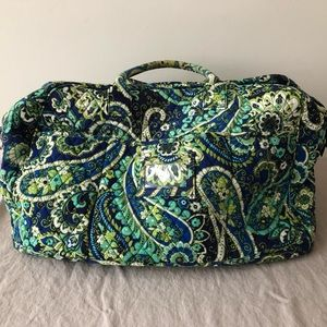 VERA BRADLEY quilted large duffel